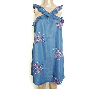 Romeo + Juliet Couture |Chambray Embroidered dress